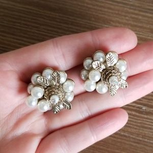 Modcloth Gold and Pearl vintage earrings